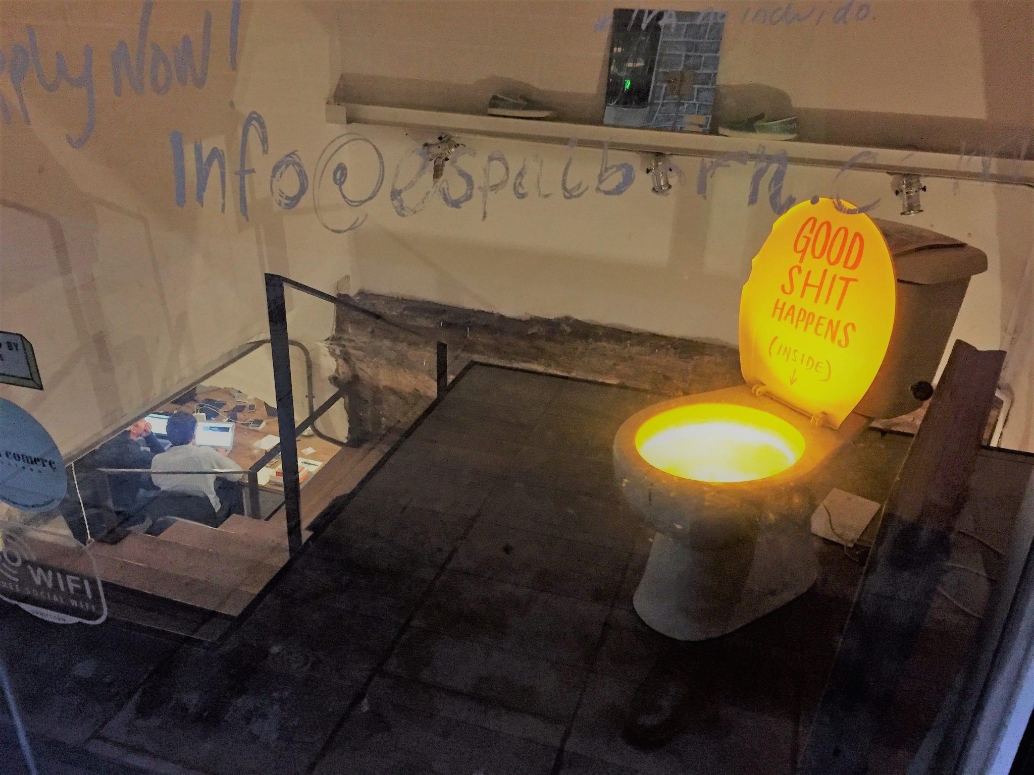 Der Eingangsbereich des Kreativ-Kellers von achos!